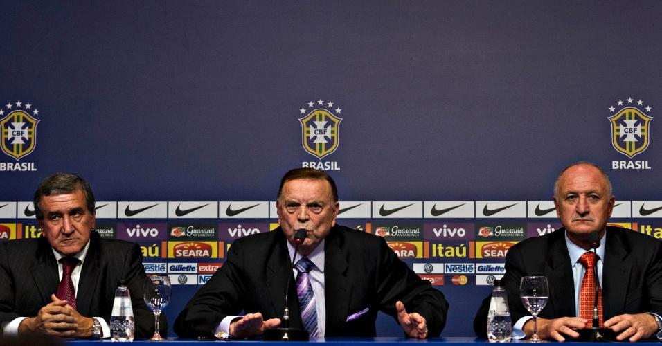 22.jan.2013 - Presidente da CBF, José Maria Marin, discursa durante anúncio da convocação do técnico Luiz Felipe Scolari