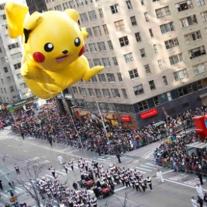 Boneco do Pikachu, famoso personagem de 'Pokémon', durante parada de Ação de Graças nos Estados Unidos, em novembro de 2012