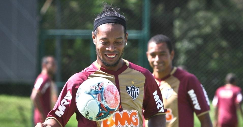 Ronaldinho Gaúcho durante treino do Atllético-MG na Cidade do Galo (22/1/2013)
