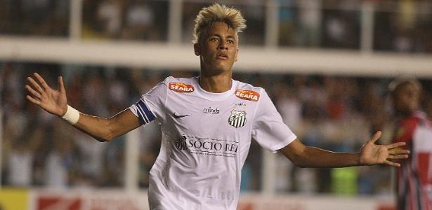 Neymar já marcou três gols no Paulistão e abusou dos dribles contra o Botafogo-SP