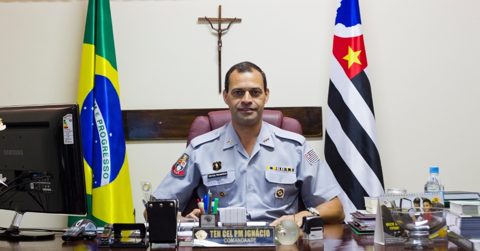 24.jan.2013 - O tenente coronel Daniel Augusto Ramos Ignácio dirige o Presídio Militar Romão Gomes, onde 185 policiais militares cumprem pena ou aguardam julgamento. Segundo ele, o receio de uma transferência para o sistema prisional comum ajuda a manter a disciplina no local