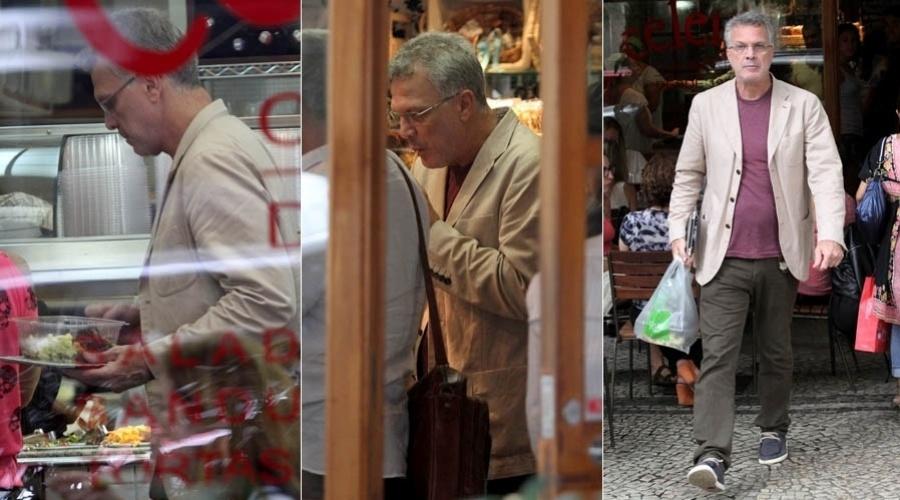 24.jan.2013 - Pedro Bial compra almoço em restaurante na zona sul do Rio