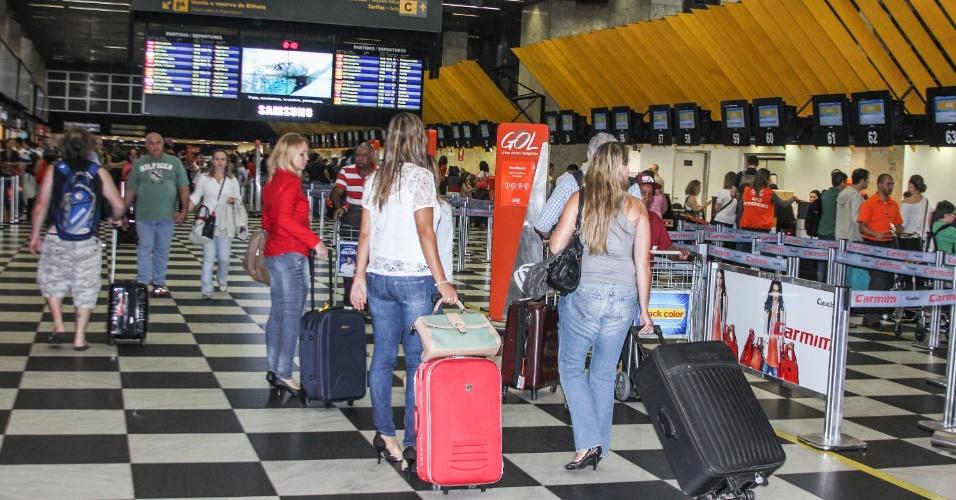 25.jan.2013 - Movimento de passageiros no aeroporto de Congonhas, zona sul da capital paulista, no feriado do aniversário  da cidade de São Paulo
