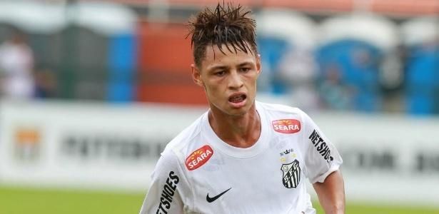 Neílton comemora seu gol, o segundo do Santos na final da Copa São Paulo