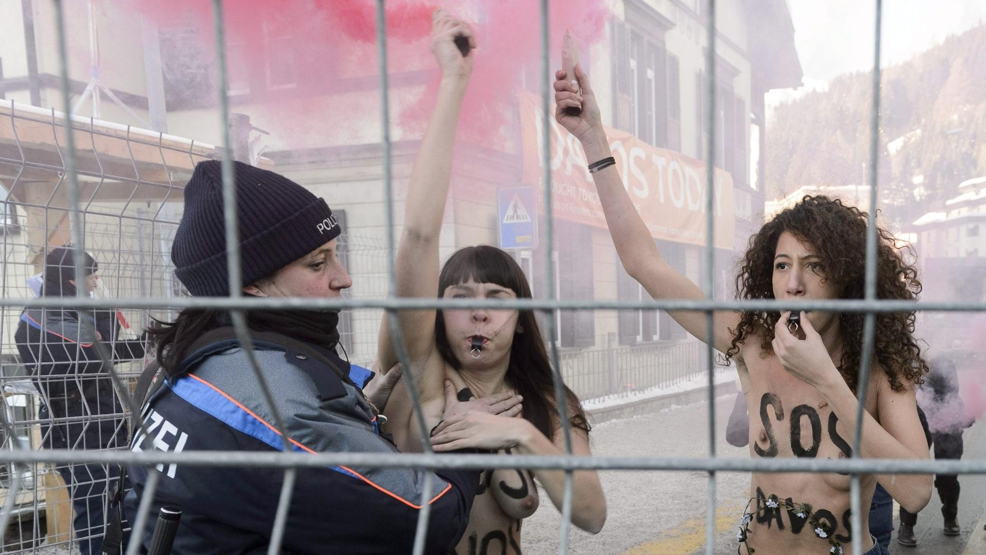 26.jan.2013 - Ativistas do Femen protestam em Davos, na Suíça
