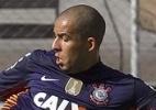 Danilo Fernandes evita polêmica com Júlio César e comemora sequência no gol do Corinthians
