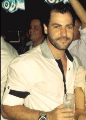 27.jan.2013 - Elisandro Oliveira Rolim tinha 27 anos e era empresário.  Ele foi uma das vítimas do incêndio que matou mais de 230 pessoas, em sua maioria jovens, na boate Kiss, em Santa Maria (RS)