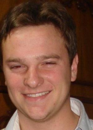 27.jan.2013 - Vinicios Greff era estudante de zootecnia da Universidade Federal de Santa Maria. Ele foi uma das vítimas do incêndio que matou mais de 230 pessoas, em sua maioria jovens, na boate Kiss, em Santa Maria (RS)