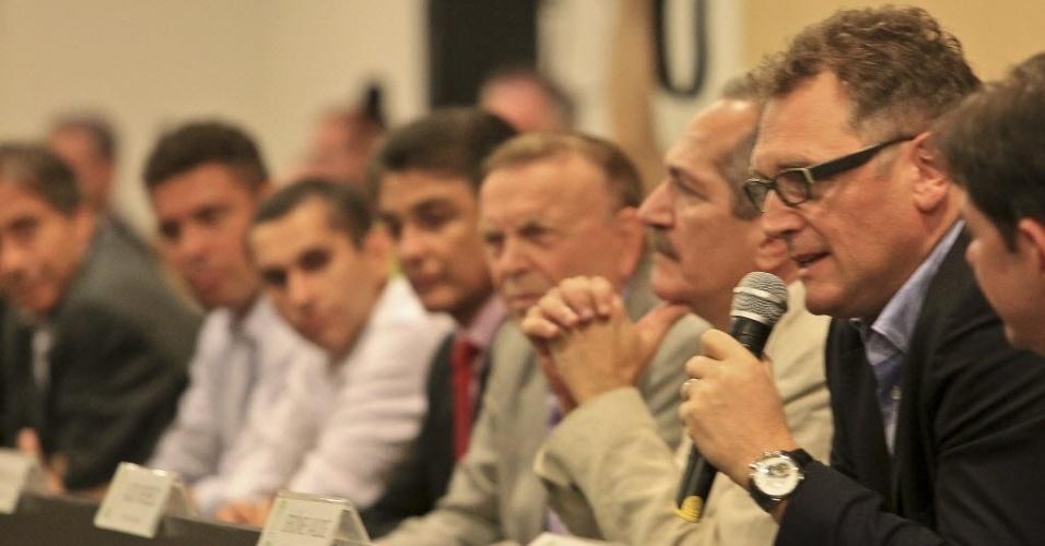 Comitiva da Copa-2014, com Valcke, Aldo Rebelo, Ronaldo, Bebeto e Marin dá coletiva na reabertura do Castelão