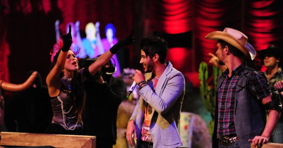 26.jan.2013 - Kamilla se empolga no show de Gusttavo Lima na Festa Saloon
