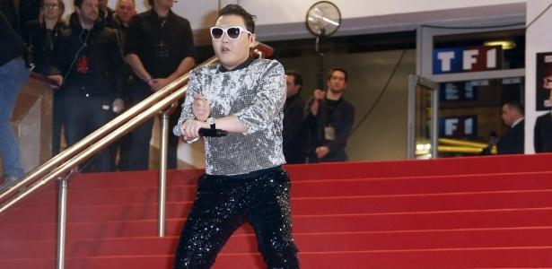 Psy se apresenta na cerimônia do NRJ Music Awards, em Cannes