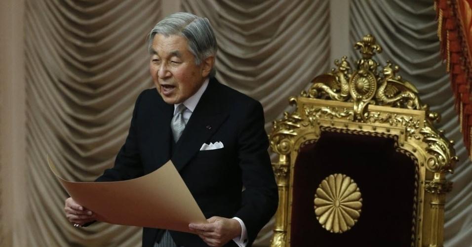 28.jan.2013 - O imperador do Japão, Akihito, faz declaração durante abertura de sessão ordinária do parlamento, em Tóquio