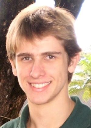 Matheus Rafael Raschen, ex-jogador da seleção brasileira de basquete sub-18, é a 236ª vítima do incêndio na boate Kiss, em Santa Maria (RS)