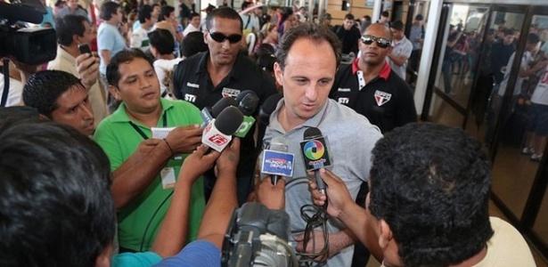 Rogério Ceni e o São Paulo desembarcam na Bolívia para jogo da Libertadores contra o Bolívar