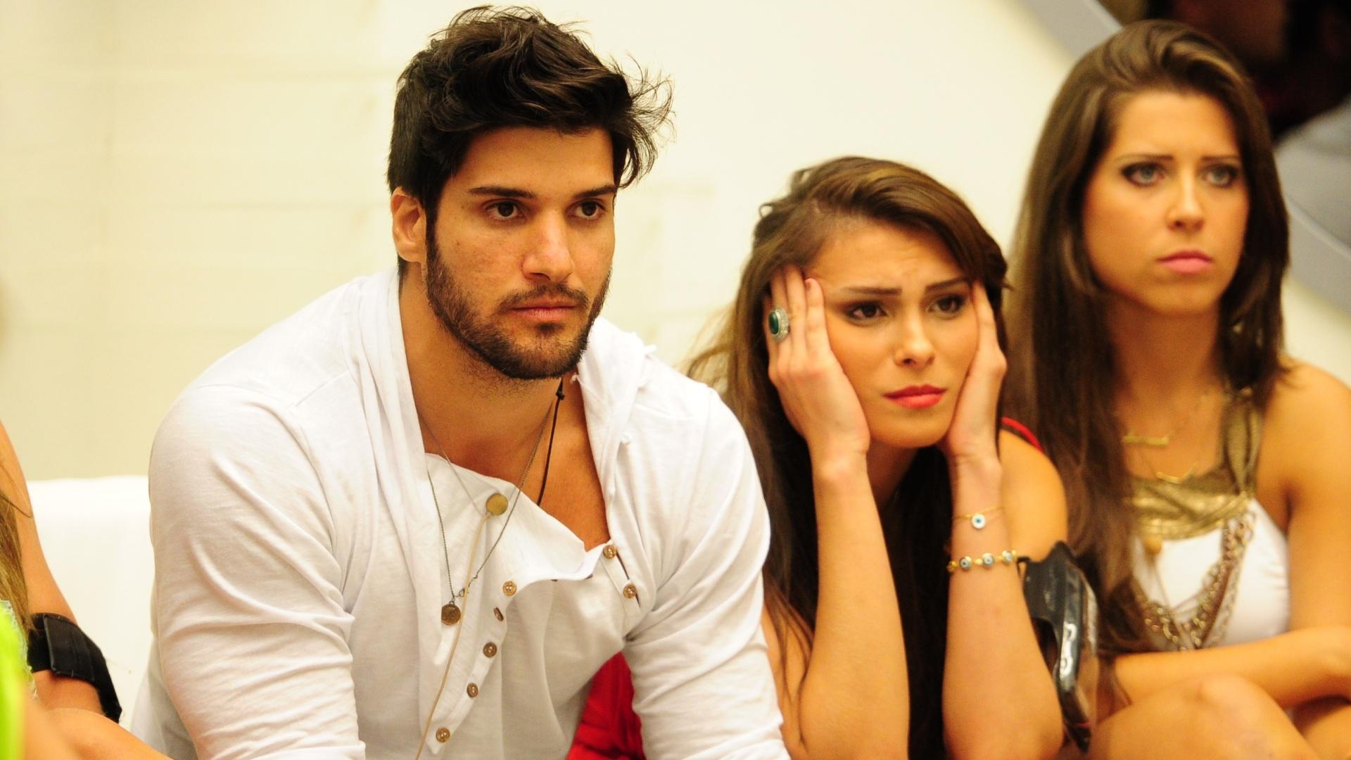 29.jan.2013 - Marcello e Kamilla aguardam o resultado do terceiro paredão do