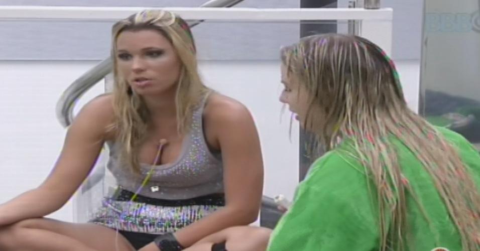 30.jan.2013 - Marien diz a Fernanda que pretende vetar André da prova do líder, mas amiga não se incomoda