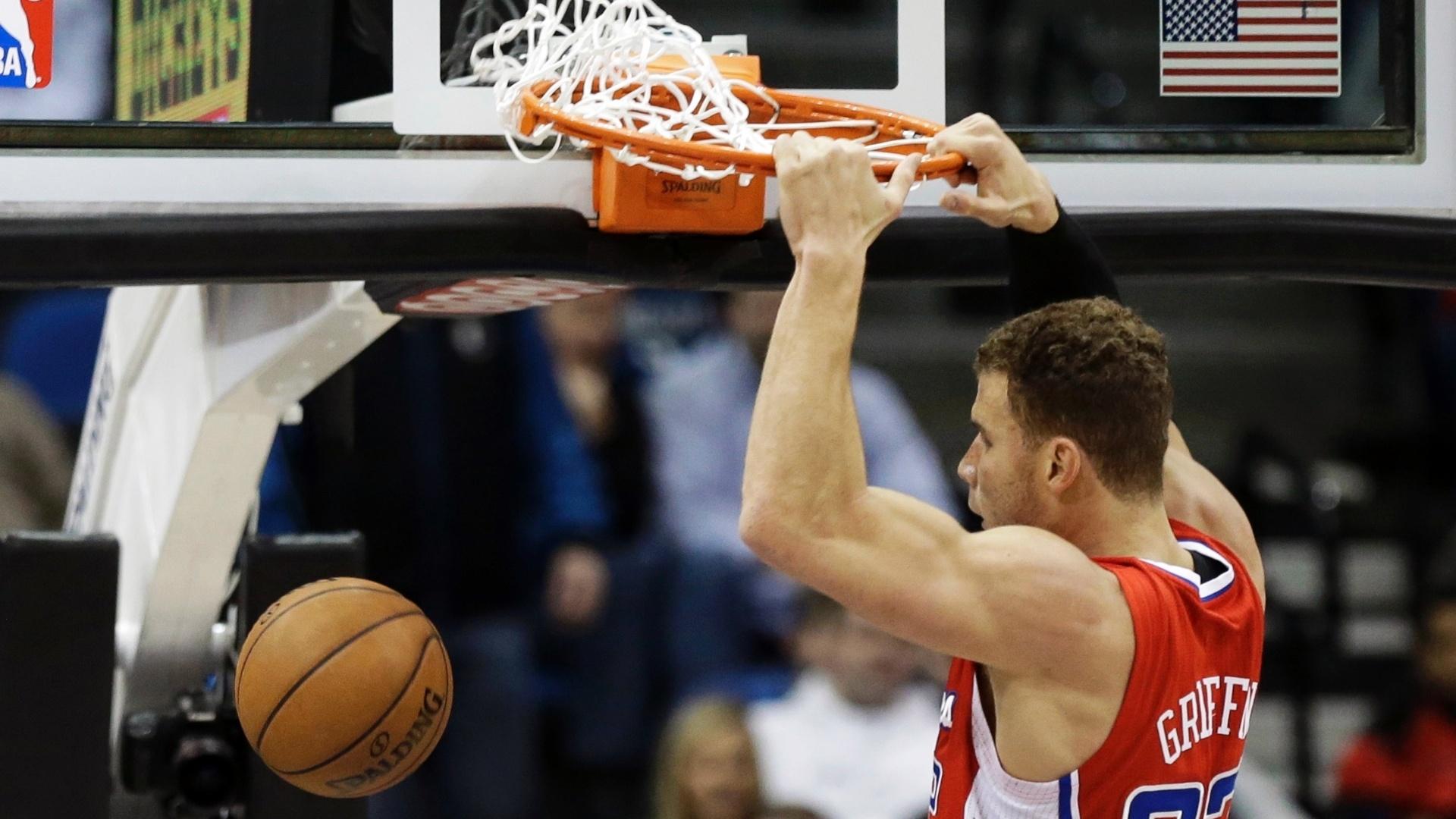 30.jan.2013 - Blake Griffin foi o destaque dos Clippers no triunfo obre os Wolves e novamente deu show com belas enterradas