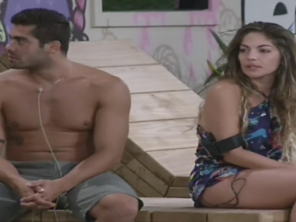 31.jan.2013 - Yuri e Anamara conversam sobre a possibilidade de serem votados por Marcello