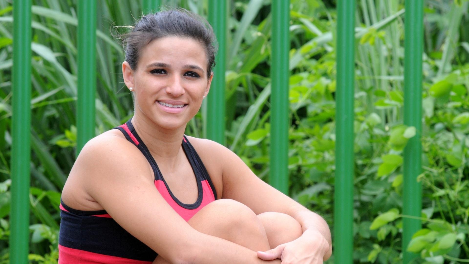 Atleta do Flamengo, Jade Barbosa posa para o UOL Esporte após treino no velódromo da Barra, no Rio de Janeiro