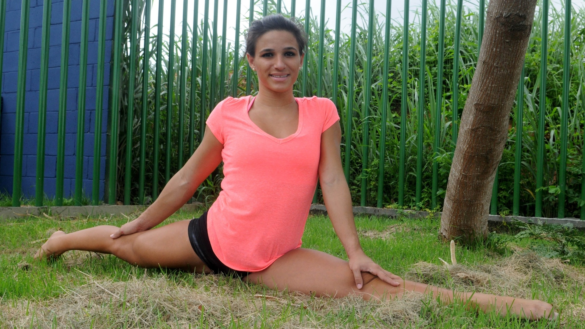 Vaidosa, Jade diz que gosta de ir à praia e ficar bronzeada, especialmente no verão: