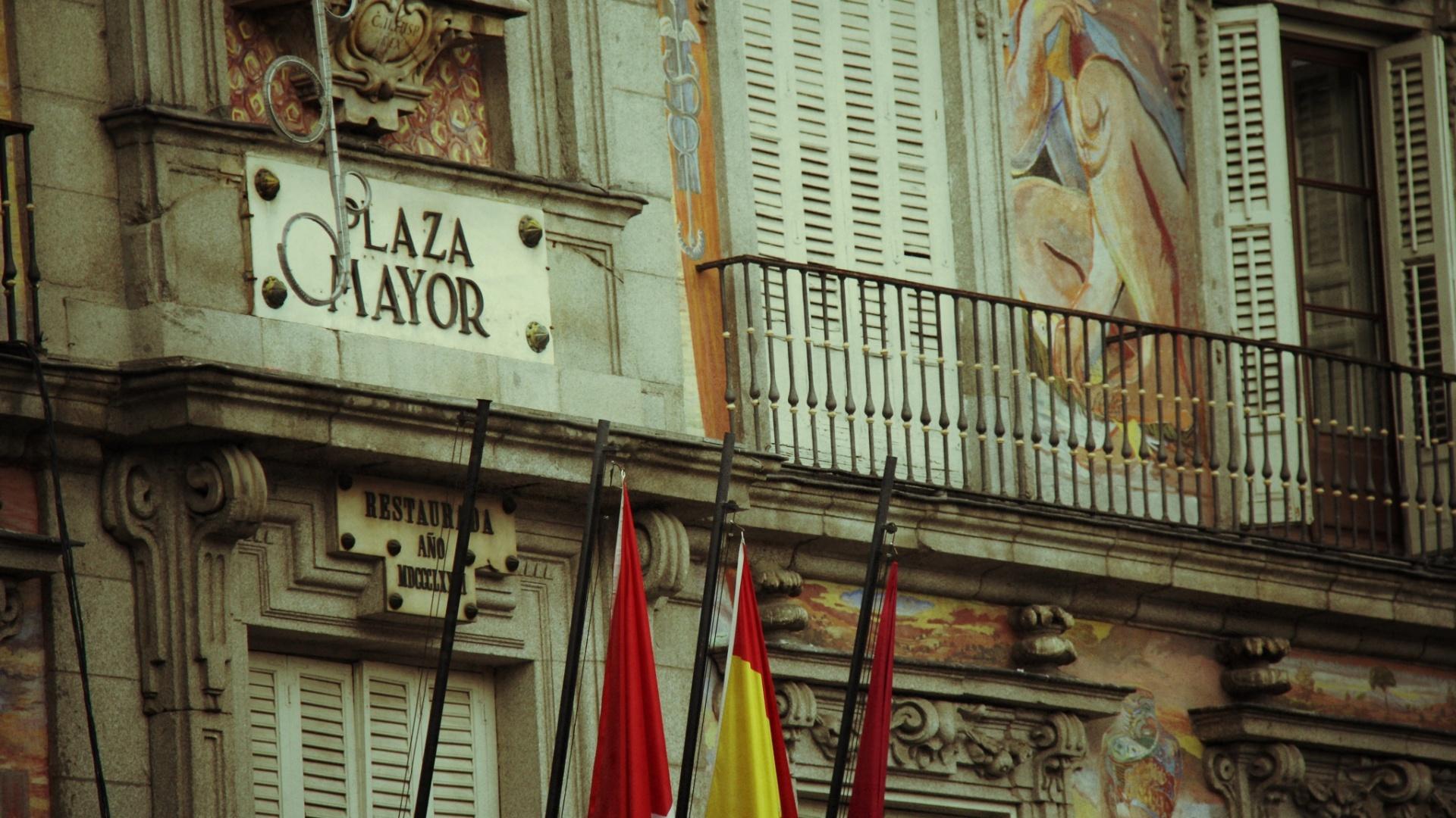 jan.2013 Imagem fotografa por Pe Lu mostra a Plaza Mayor, um dos pontos turísticos mais famosos de Madri
