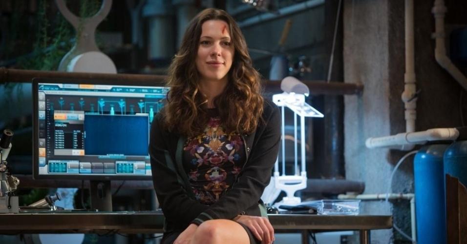 A atriz Rebecca Hall interpreta Maya Hansen. Nos quadrinhos, a personagem é uma biocientista que ajuda Tony Stark a reformular sua armadura. Um dos grandes feitos de Maya foi construir uma fórmula para criar super soldados usando nanotecnologia