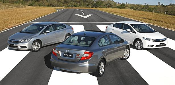 Honda Civic 2014, com destaque para a versão EXR, topo de gama; problema do modelo é o preço