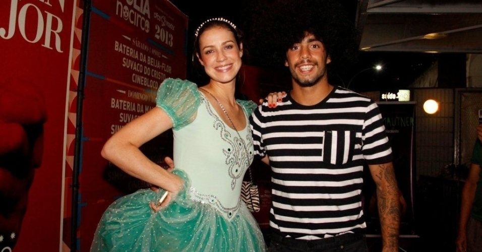 1.fev.2013 - Luana Piovani com o marido, Pedro Vianna, em baile pr-carnavalesco no Circo Voador, centro do Rio de Janeiro. O evento foi comandado pela Orquestra Imperial