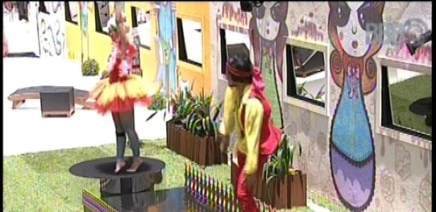 2.fev.2013 - Fernanda e André devem dançar balé após castigo do anjo/monstro Nasser