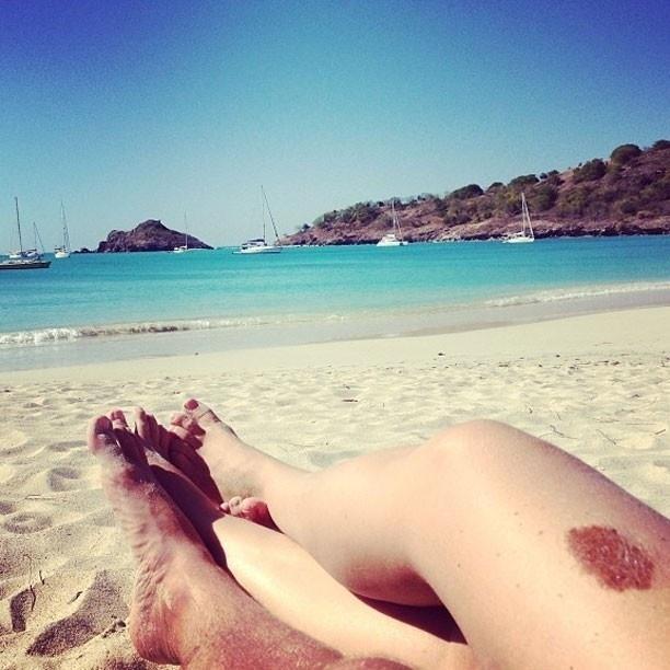 2.fev.2013 - Luciano Huck publicou uma foto rebatendo os rumores que ele e Angélica estariam tendo uma crise no relacionamento.