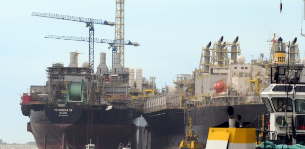 Rajadas de vento provocaram um acidente envolvendo duas plataformas no porto de Rio Grande, na região sul do Rio Grande do Sul