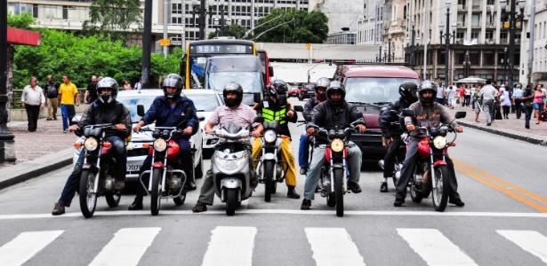 Pequisa aponta que mais de 20% dos motociclistas envolvidos em acidentes em SP utizaram drogas ou álcool