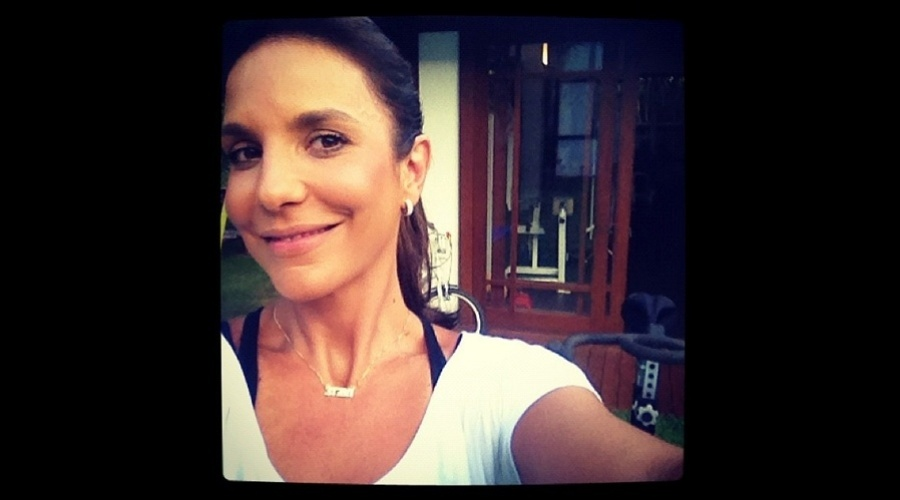 4.jan.2013 - Ivete Sangalo divulgou uma foto sua momentos antes de malhar. 