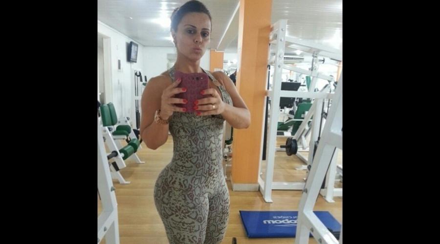 4.jan.2013 - Viviane Araújo divulgou uma imagem onde aparece em uma academia. A modelo é rainha da bateria das escolas de samba Mancha Verde e Salgueiro
