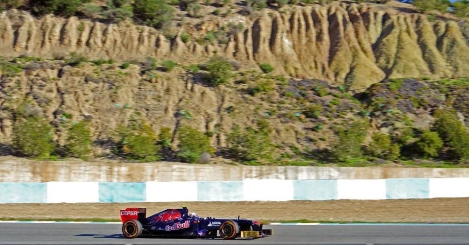 05.fev.2013 - Daniel Ricciardo, da Toro Rosso, participa do primeiro teste coletivo da F1 em Jerez de la Frontera