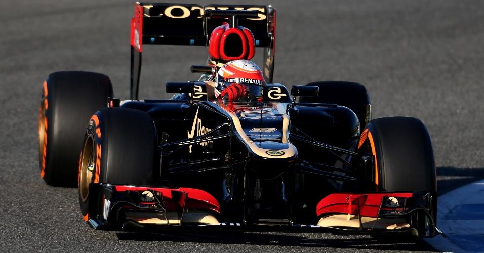 05.fev.2013 - Romain Grosjean, da Lotus, corre no primeiro teste coletivo da F1 em Jerez de la Frontera