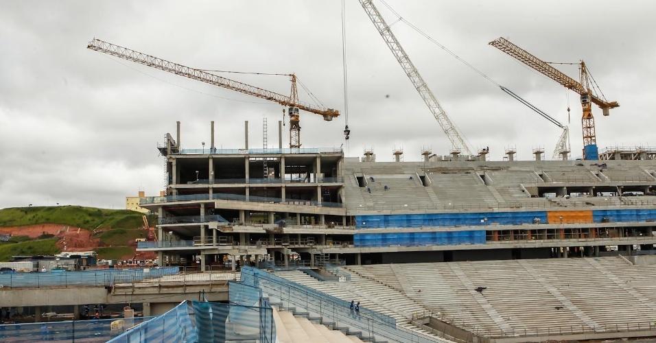 05.fev.2013 - Vista geral das obras no estádio Itaquerão, que sediará a abertura da Copa de 2014
