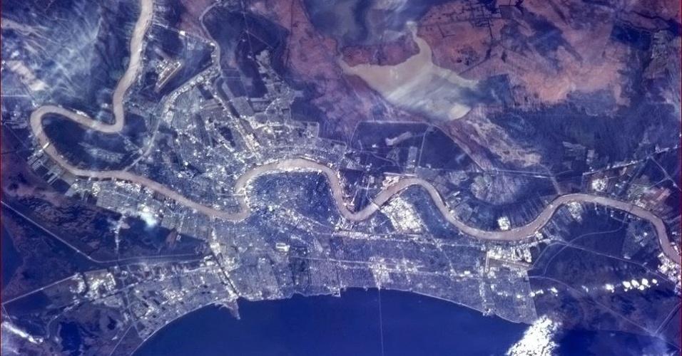 5.fev.2013 - Na final do Superbowl (3 de fevereiro), campeonato de futebol americano, o astronauta Chris Hadfield divulgou uma imagem de New Orleans, palco da disputa entre os times 49ers, de San Francisco, e Ravens, de Baltimore