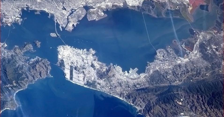 5.fev.2013 - Na final do Superbowl (3 de fevereiro), os astronautas da Estação Espacial Internacional (ISS, na sigla em inglês) mostraram as cidades dos times que disputaram o primeiro lugar. Acima, vista de San Francisco, sede do 49ers, os vice-campeões da temporada 2013