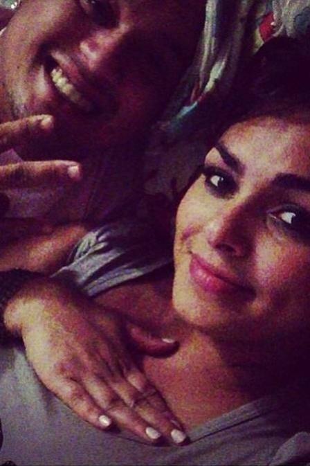 5.jan.2013 - Andressa Soares, a Mulher Melancia, está namorando o cantor Thiago Soares, do Bom Gosto