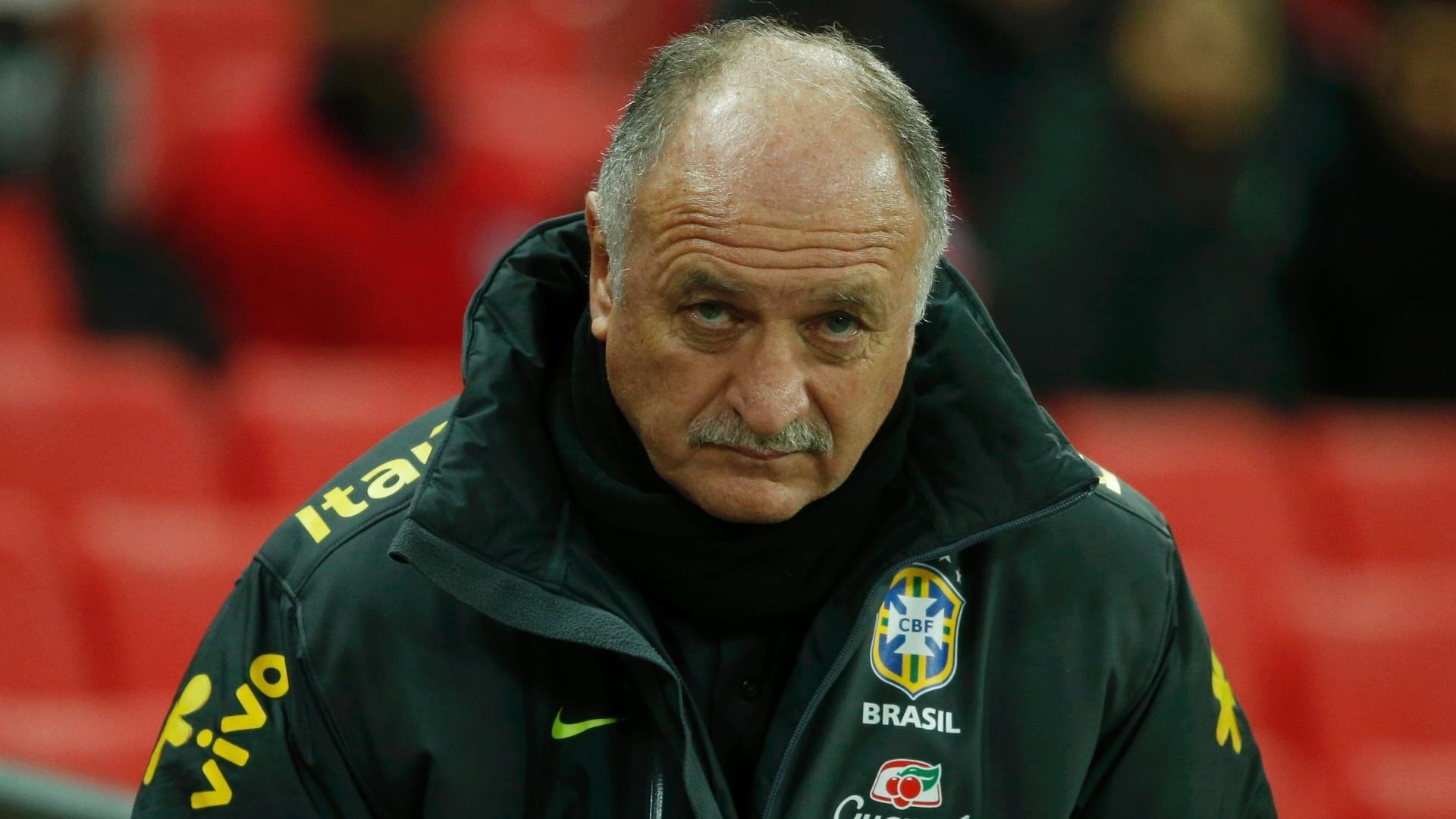 06.FEV.2013- Técnico Luiz Felipe Scolari antes de amistoso com a Inglaterra, o seu retorno ao comando da seleção brasileira