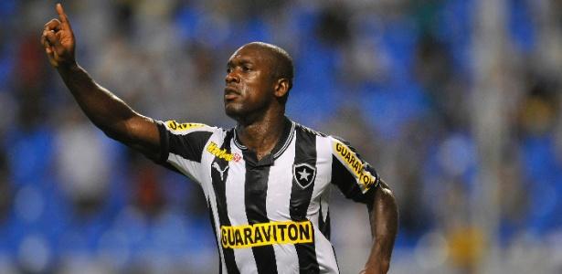 Seedorf é artilheiro do Botafogo com 5 gols, mesmo número de Lodeiro