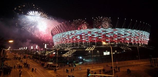 Estádio Nacional de Varsóvia seria palco das partidas, mas Polônia adiou projeto