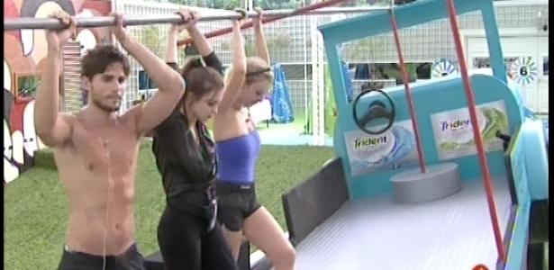 08.fev.2013 - André, Kamilla e Fernanda continua na disputa pela liderança