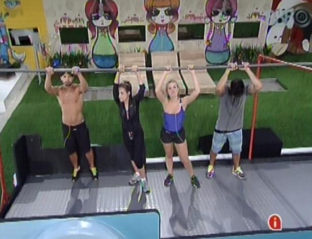 8.fev.2013 - André, Kamilla, Fernanda e Marcello permanecem na prova pela liderança