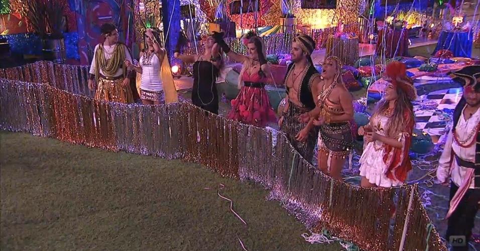 09.fev.2013 - Brothers dançam na festa Folia ao som do bloco Carrossel de Emoções