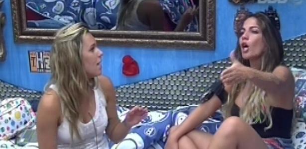 9.fev.2013 - Anamara diz para Marien que não quer conversar com Fani sobre o castigo do monstro