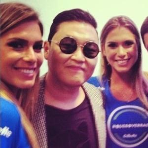 : Gêmeas do nado tietam Psy; veja mais atletas que caíram na folia