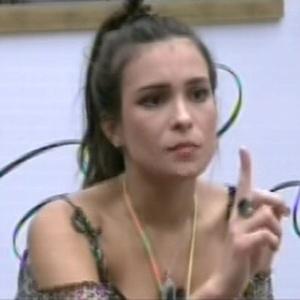 Kamilla, líder da semana, aconselha brothers no jogo