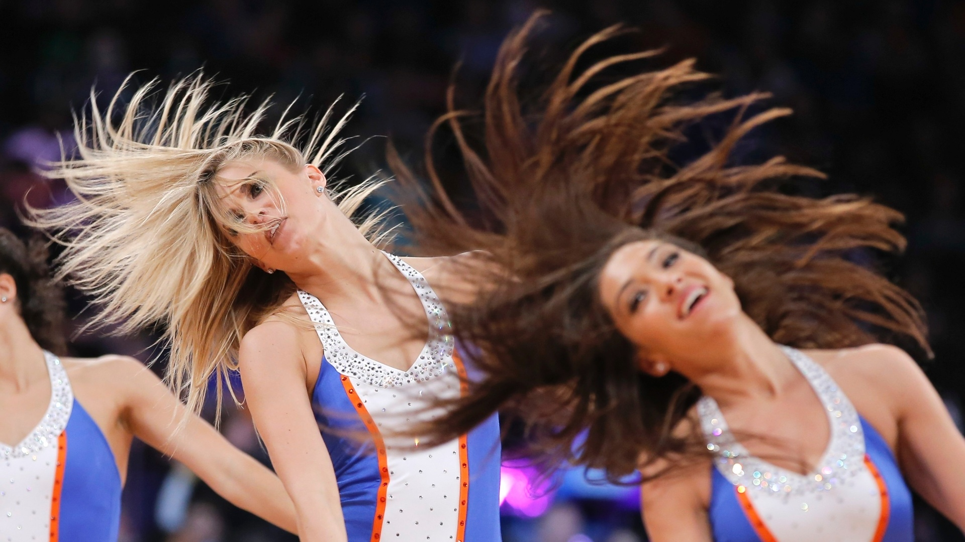 10.fev.2013 - Cheerleaders dos New York Knicks danam no intervalo da derrota por 102 a 88 para os Los Angeles Clippers